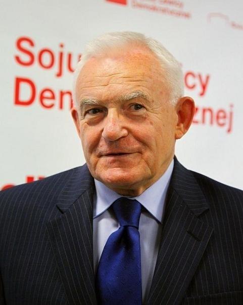 Leszek Miller jest gościem zjazdu SLD w Poznaniu