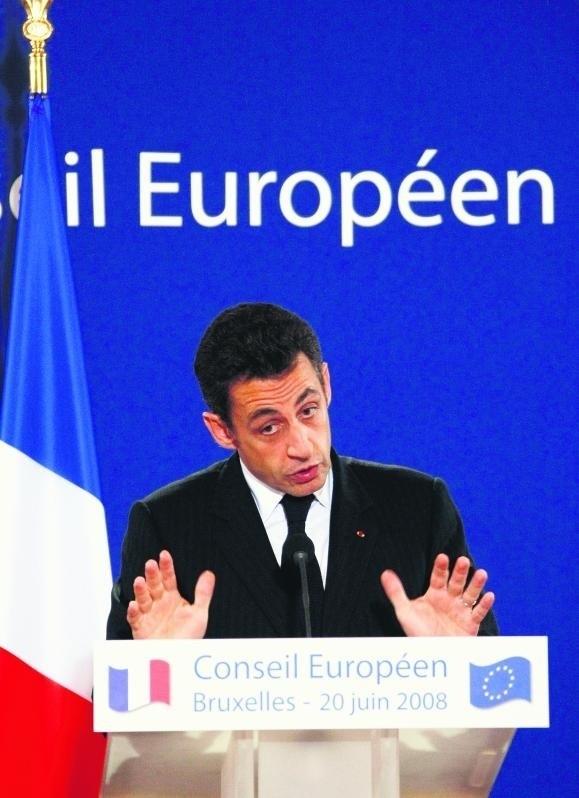 Francuski prezydent chce zatrzasnąć drzwi przed krajami kandydującymi do Unii