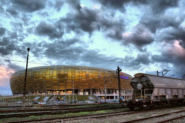Stadion - znak rozpoznawczy Letnicy. Zmieniła się dzielnica, ale nie zmienili się mieszkający w niej ludzie
