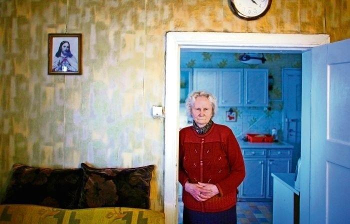 Eugenia Wójewska w domu przy ulicy Naramowickiej 213 mieszka...