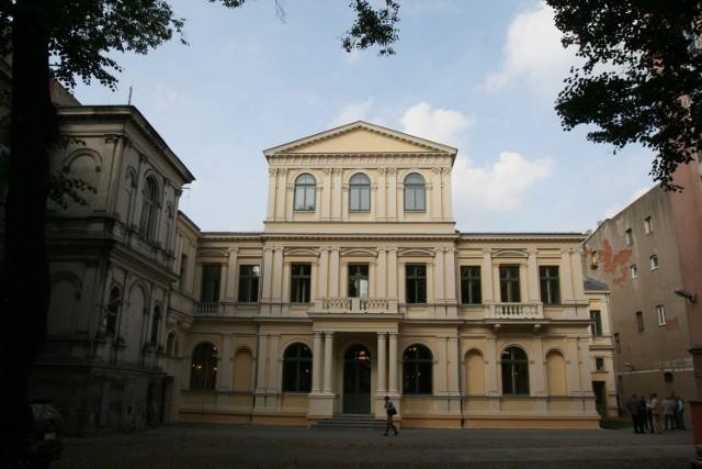 Zabytkowy pałac Miejskiego Towarzystwa Kredytowego