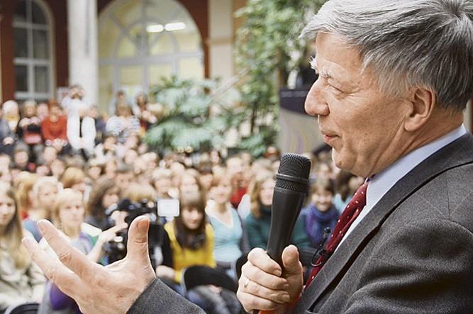 Ponad tysiąc osób słuchało wczoraj profesora Jana Miodka
