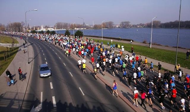 Oby tak jak przed rokiem dopisała pogoda. Najważniejszym wydarzeniem weekendu będzie bowiem półmaraton zaplanowany na niedzielę 1 kwietnia