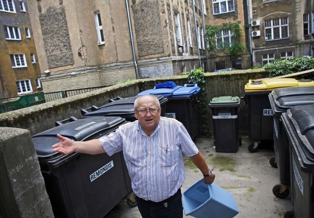 Lokatorzy SM Wielkopolanka twierdzą, że nowe zasady płacenia za śmieci są niesprawiedliwe.