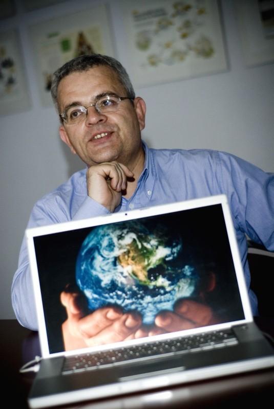 Urbanowicz: W wirtualnych gazetach ludzie będą mówić, a psy warczeć