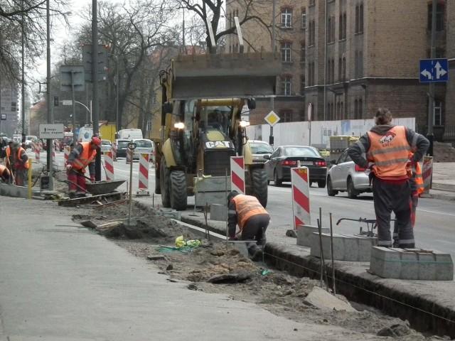 Trwa remont ulicy Bukowskiej w Poznaniu
