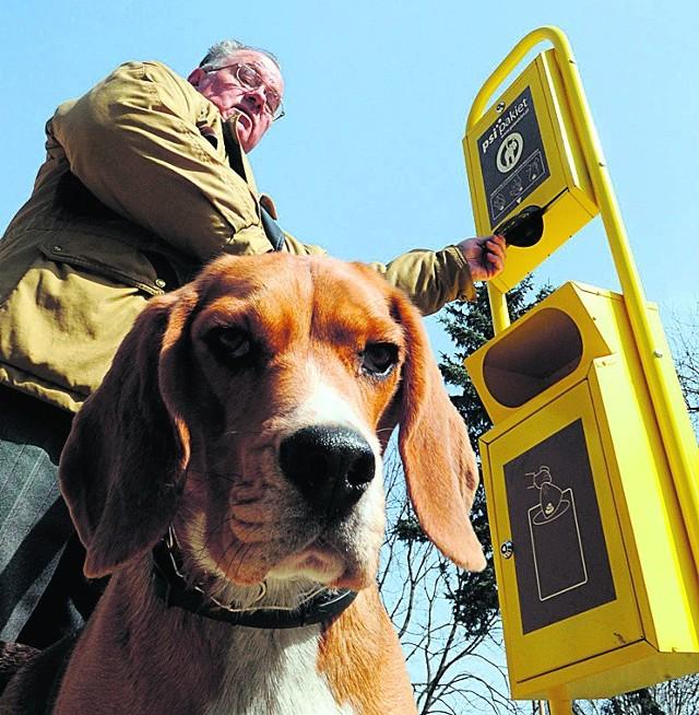 Na LSM-ie stanęły trzy stacje na psie odchody