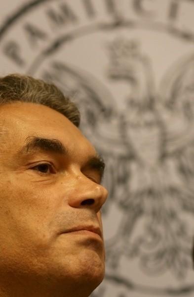Koalicji nie podoba się, że IPN pod rządami Janusza Kurtyki  chce ferować ostateczne wyroki