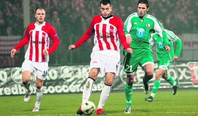 Marek Wasiluk rzucany po różnych pozycjach, przyzwyczaił się już do roli stopera