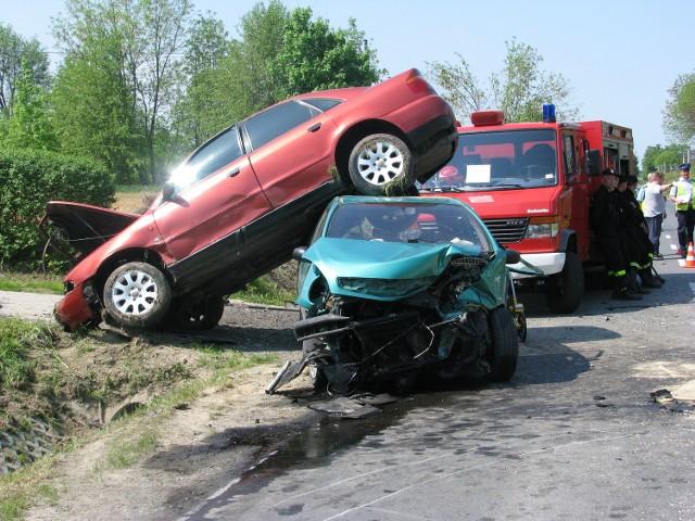 Krzywostok: Dwie osoby ucierpiały w wypadku