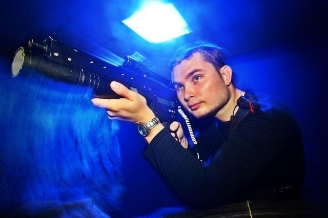 - W naszej piwnicy w wojnę można zagrać na żywo - twierdzi Wojciech Florek