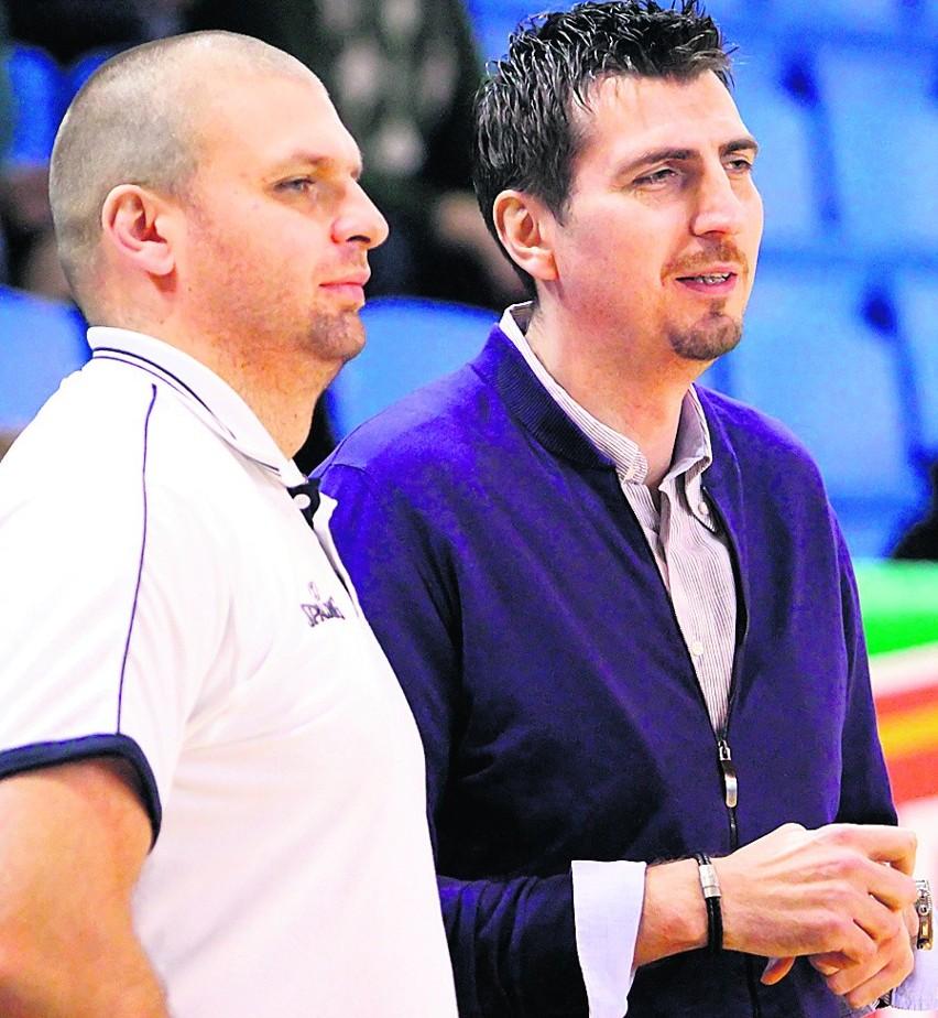 Prezes Startu S.A. Arkadiusz Pelczar (z lewej) z trenerem Dominikiem Derwiszem