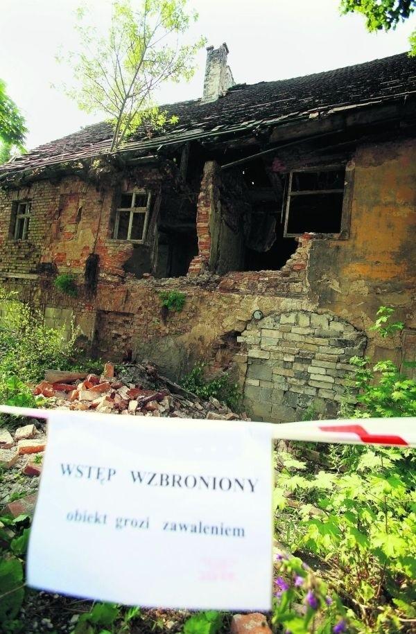 Ściana domu w centrum miasta runęła w nocy