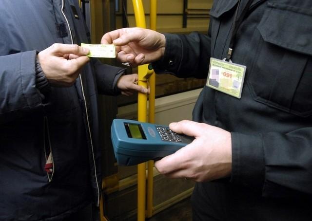 Szef działu kontroli biletów ZTM założył firmę, która zachęca poznaniaków do jazdy na gapę