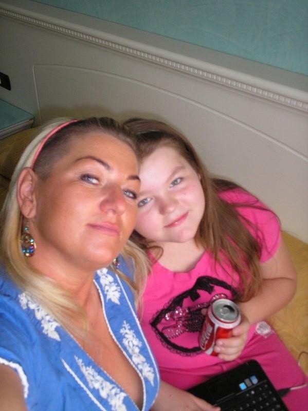 mama: Anna Baranowska, córka Jacqueline Graj
