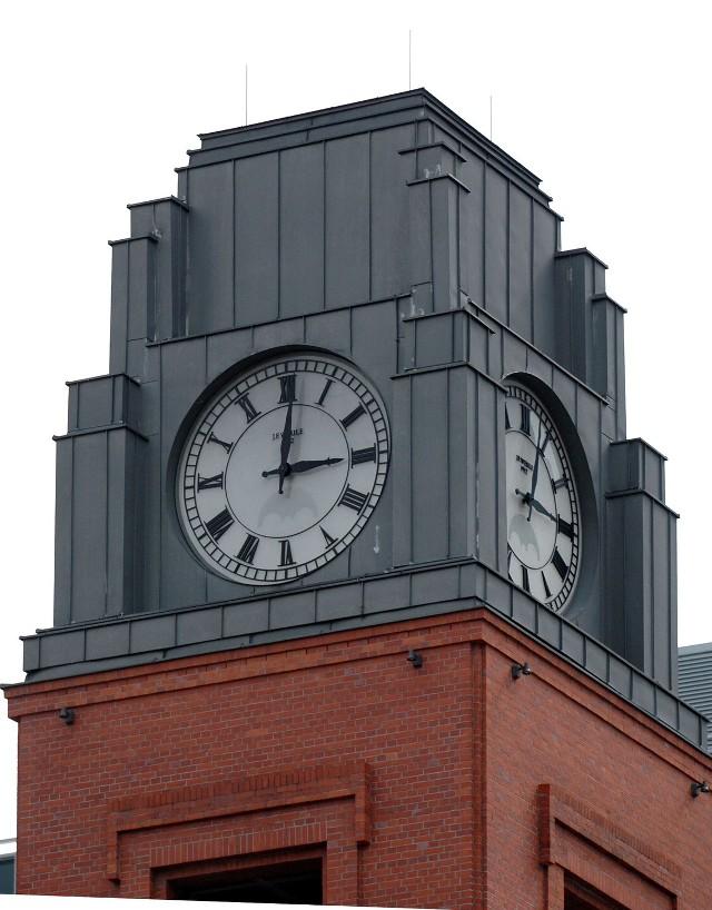 Z soboty na niedzielę przestawiamy wskazówki zegarów z godziny 2 na 3