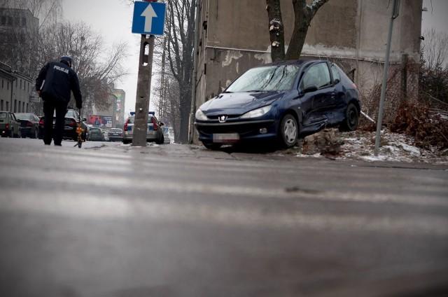 1 osoba została ranna w wypadku na Młynarskiej przy WiN.