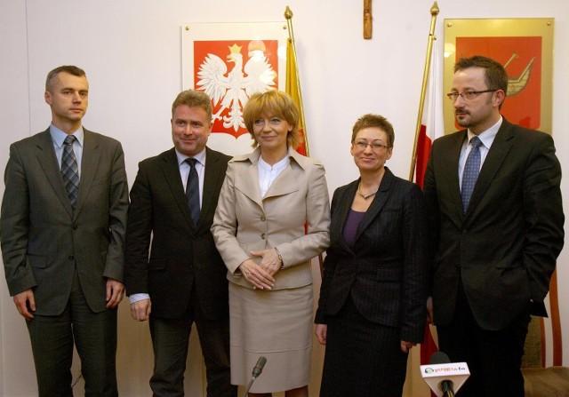 Paweł Paczkowski i Marek Cieślak (od lewej) na razie pracują społecznie - wyjaśnia Hanna Zdanowska.