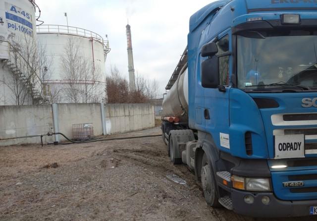 Wniosek do NIK o wszczęcie kontroli może zatrzymać proces oczyszczania terenu gorlickiej rafinerii