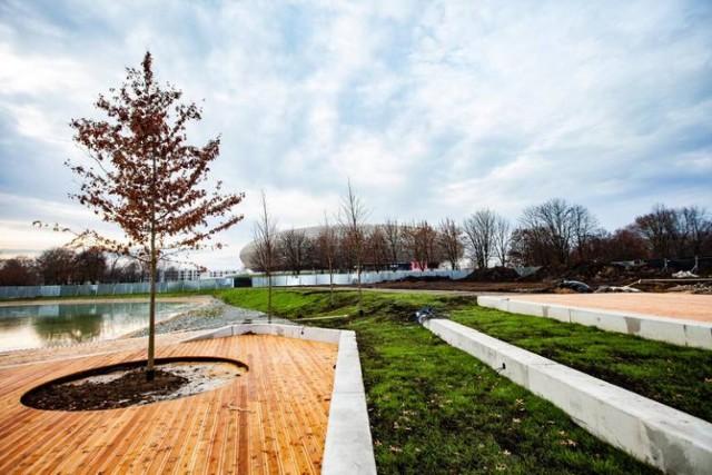 Park Lotników Polskich W chwili obecnej park zajmuje powierzchnię ok. 60 ha.  Park znajduję się w dzielnicy Czyżyny. W pobliżu parku, na terenie dawnego lotniska, znajduje się Muzeum Lotnictwa Polskiego działające od 1963 roku.