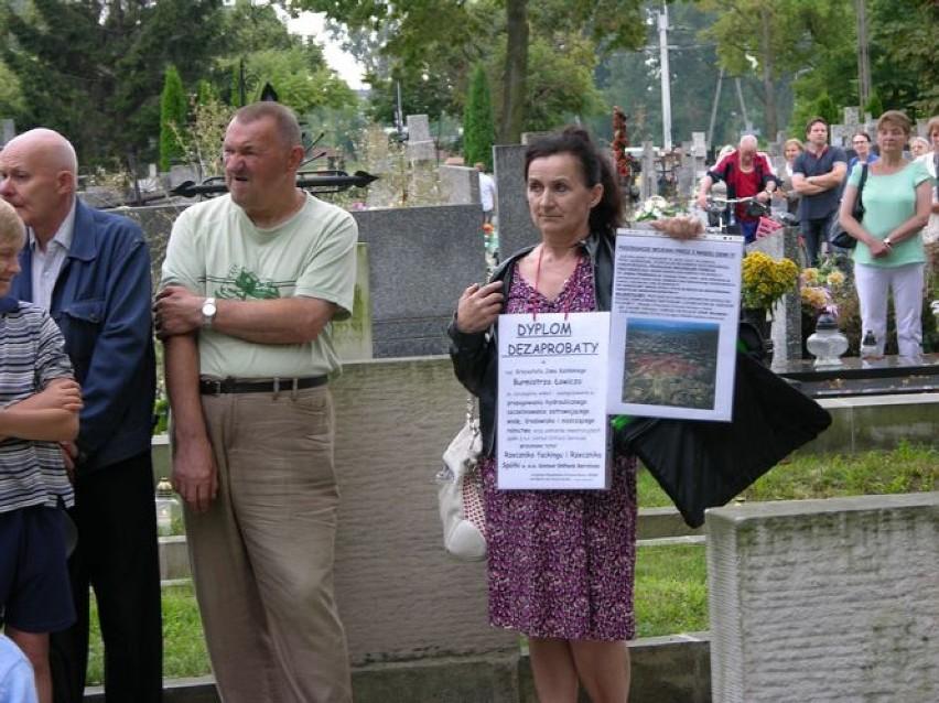 W piątek, 1 sierpnia, na cmentarzu katedralnym odbyły się...