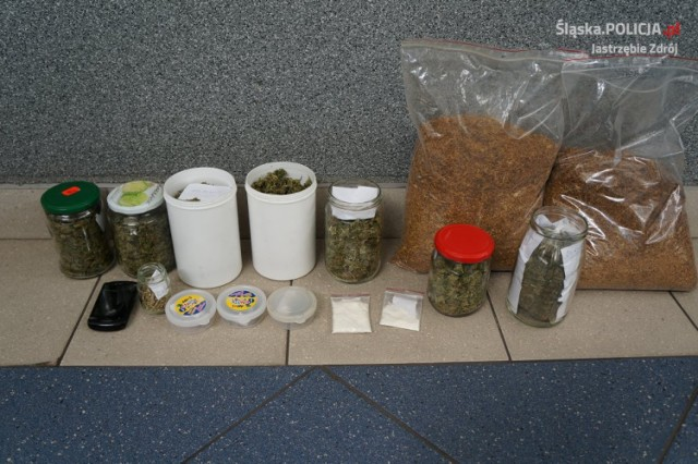 Narkotyki w Jastrzębiu: 35-latek miał w mieszkaniu kolekcję
