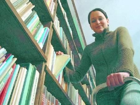 – To niewielka, ale potrzebna biblioteka – mówi Małgorzata Czernigiewicz.  FOT. BERNARD £ÊTOWSKI