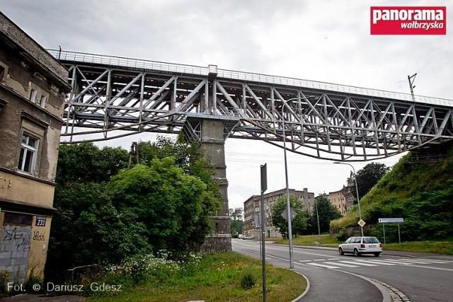 Trwają przygotowania do remontu wiaduktu kolejowego nad ul. Niepodległości w Wałbrzychu