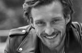 """""""Hotel Paradise 2"""". Adam Bilewicz z powiatu malborskiego pożegnał się z reality show. Kim jest ulubieniec telewidzek?"""