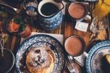 Nie ma udanego poranka bez śniadania! Co jada się w Indiach, Niemczech albo Anglii? [PRZEGLĄD]