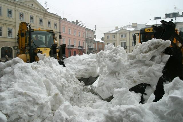 Zima w Piotrkowie i regionie 15 lat temu. Mróz i śnieg. Taki był styczeń 2006. A jaka pogoda czeka nas w styczniu 2021?