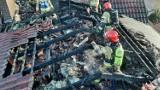 Pożar domu w Skwierzynie. Z ogniem walczyło 7 zastępów straży pożarnej