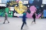 """Warszawa. Niezwykły mural przy metrze Centrum. """"Będzie powstawał etapami"""