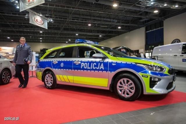 Elementy nowego oznakowania radiowozów zostały pokazane podczas targów policyjnych już rok temu