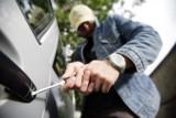 Pow. bełchatowski. Skradziony samochód wrócił do właściciela. Podejrzany o kradzież w rękach policji