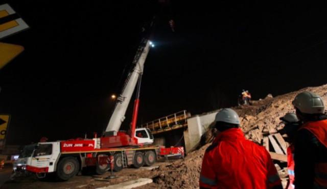 W nocy z 15 na 16 grudnia prowadzono prace rozbiórkowe wiaduktu kolejowego nad al. 29 Listopada.