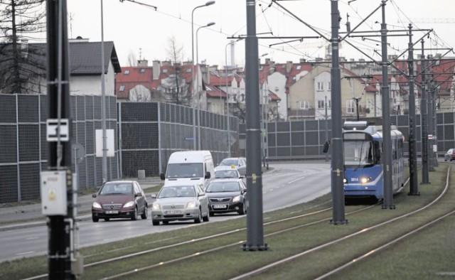 Budowę torowiska i dróg z ronda Grzegórzeckiego w kierunku Małego Płaszowa zakończono w 2011 r.