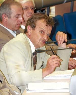 Postawa wiceprezydenta miasta, Janusza Olszówki, stała się przyczyną najgłębszego od prawie czterech lat kryzysu między radnymi i władzami miejskimi.