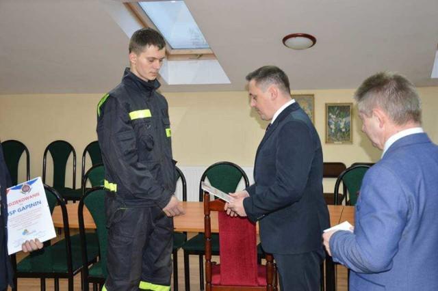 Wyróżnienia dla strażaków oraz młodych piłkarzy w gm. Poświętne