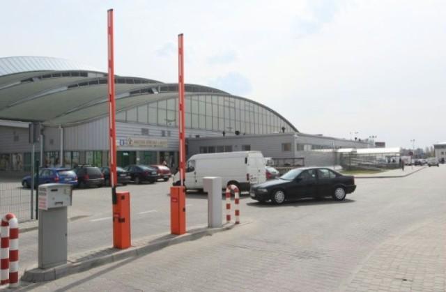 Kilka dni temu MOSiR zamknął parking przy hali Globus przy ul. ...