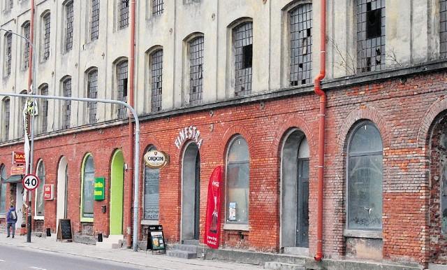Czy miejscowe plany zatrzymają systematyczne oszpecanie zabytkowego kompleksu fabrycznego Zygmunta Richtera? Na razie się na to nie zanosi