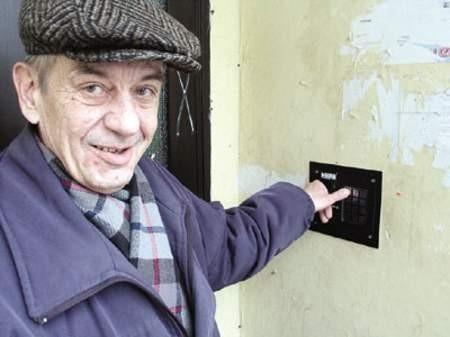 Maciej Łądkiewicz w swoim bloku przy ulicy Kościuszki ma już szyfrator.