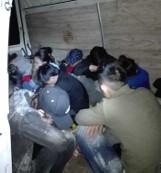 Augustów: Wietnamczycy jechali stłoczeni w busie. Zatrzymali ich funkcjonariusze Straży Granicznej