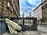 Mariacka w Katowicach jak na razie świeci pustkami. Od 18 maja lokale gastronomiczne wznowią pracę