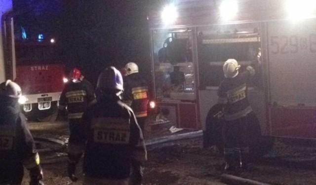 Strażacy sprawnie ugasili ogień, ale konieczna była ewakuacja mieszkańców