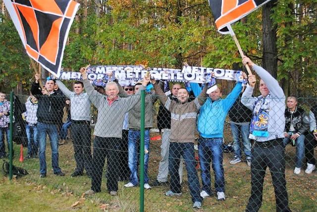 Derbowy mecz piłki nożnej rozegrany 14 października 2012 roku na boisku w Jordanowie przez B-klasowe zespoły - Meteor Jordanowo i Lubuszy Rusinów