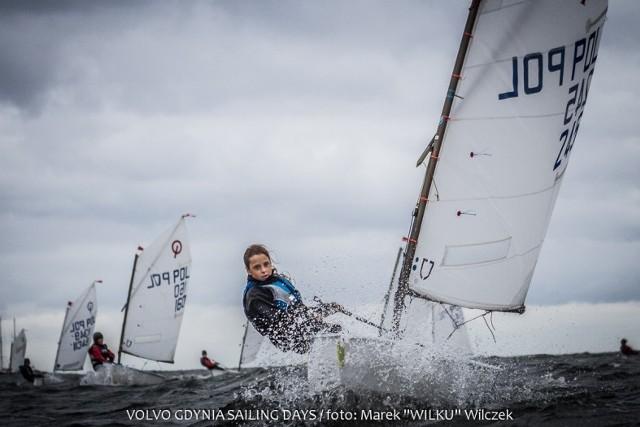 VOLVO Gdynia Sailing DaysŻaneta Bonin z Klubu Żeglarskiego VI-KING  w trakcie walki na trasie regat.