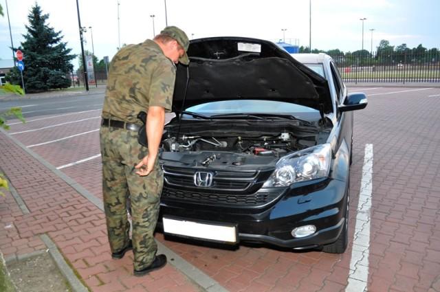 Obywatel Białorusii próbował przejechać granicę kradzionym samochodem. Nie udało mu się to