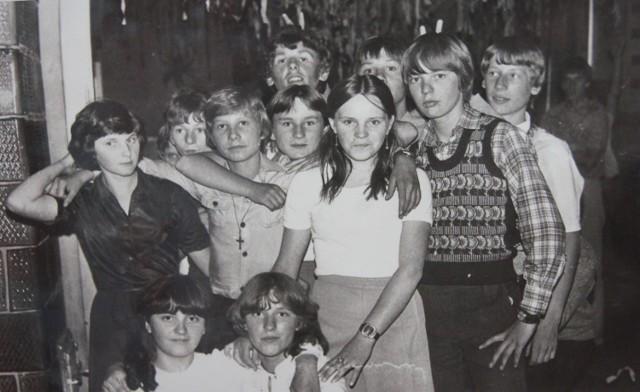 PSP 6 w Radomsku wczoraj i dziś. Szkoła, uczniowie i nauczyciele na archiwalnych fotografiach