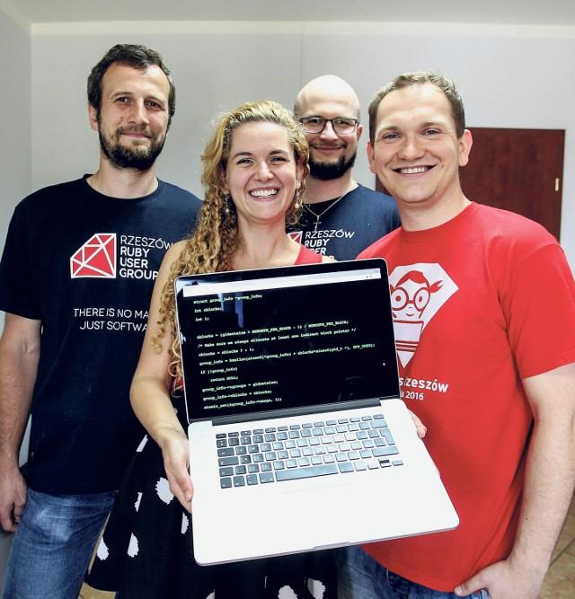 - Praca z Ruby daje naprawdę dużo frajdy, a przede wszystkim pozwala szybko realizować pomysły i tworzyć działające rozwiązania - tłumaczą programiści, członkowie Rzeszów Ruby User Group